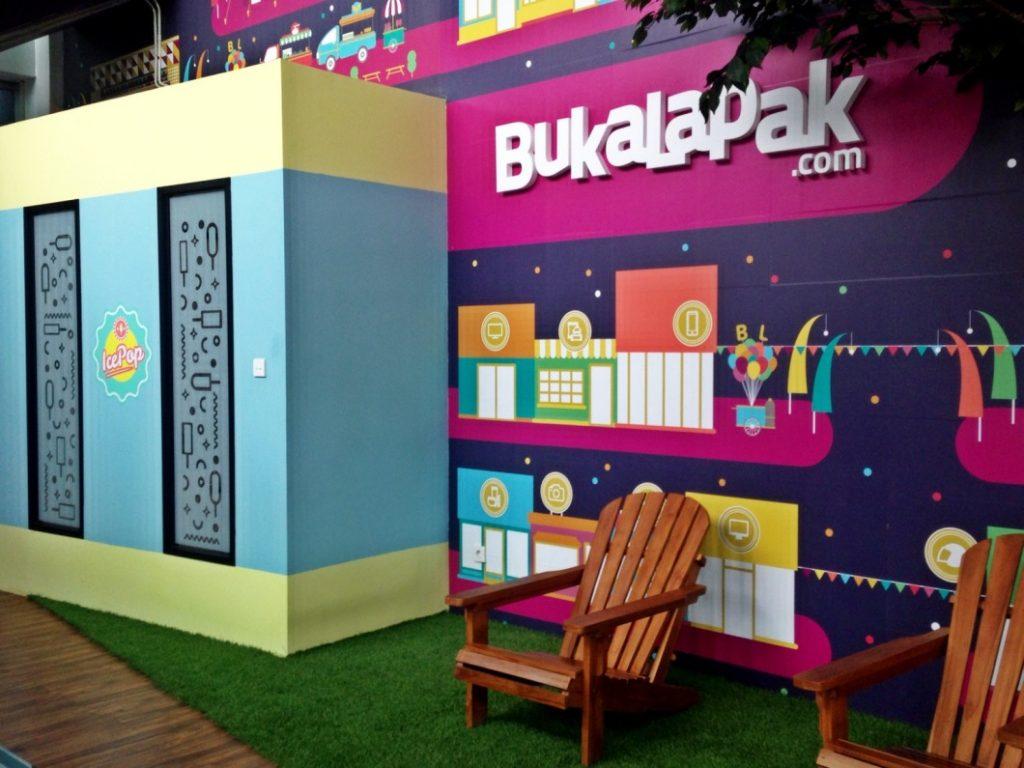 Dekorasi salah satu ruangan di kantor BukaLapak