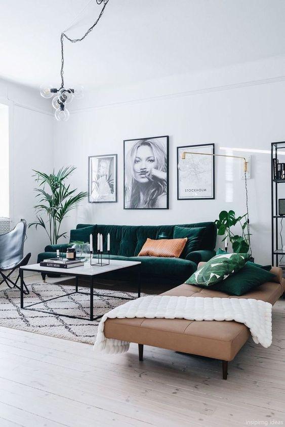 Dekorasi yang hangat dengan tampilan sofa yang empuk untuk Zodiak Cancer