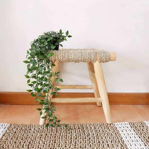 Bench yang dapat ditemukan di toko hiasan rumah di Jogja