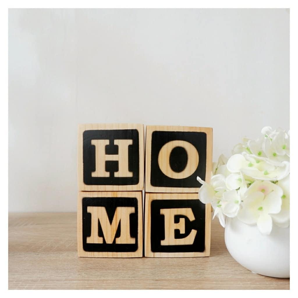 Wooden letter di toko hiasan rumah di Jogja