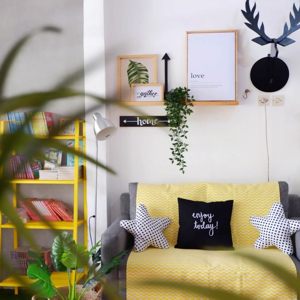 Stiletto Group: One Stop Shopping untuk Home Decor dan Book Lovers